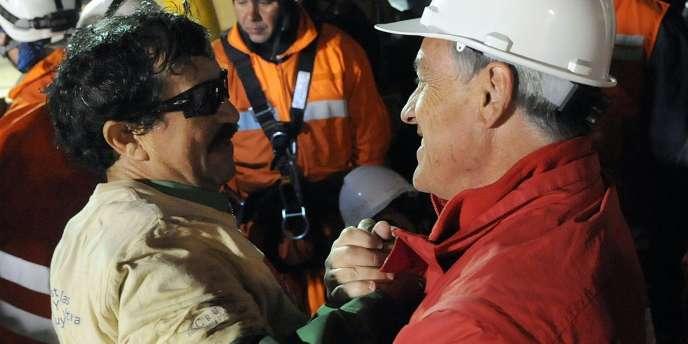 Juan Illanes a été le troisième mineur à avoir retrouvé l'air libre.