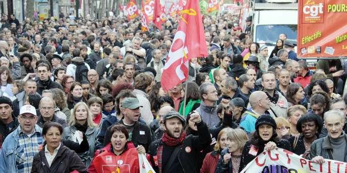 A Paris, entre 50 000 et 310 000 personnes ont défilé, samedi 16 octobre, selon les sources.