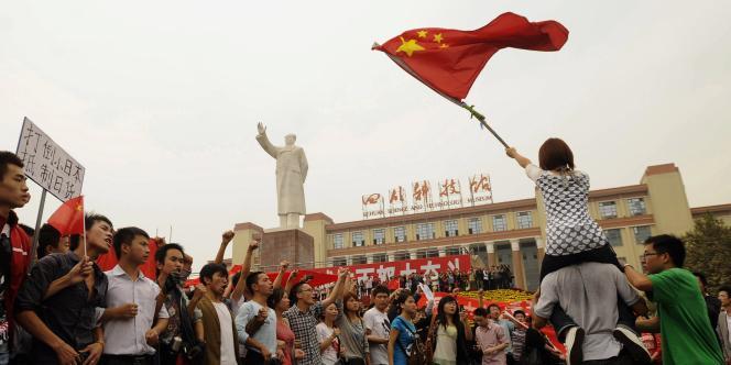 Manifestation anti-japonaise, à Chengdu, en Chine, le 16 octobre.