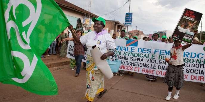 Des Congolaises défilent contre les violences sexuelles, le 17 octobre 2010, à Bukavu, en République démocratique du Congo.