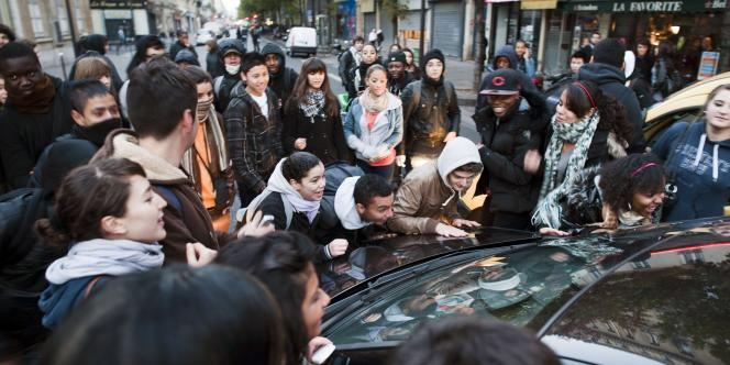 Blocage devant le lycée Turgot à Paris, lundi 18 octobre.