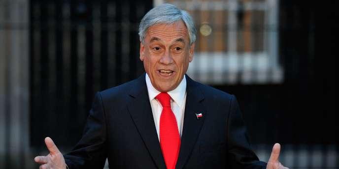 L'arrivée en mars 2010 d'un homme d'affaires, Sebastian Piñera, à la présidence de la République n'est pas étrangère à la constitution d'une initiative comme