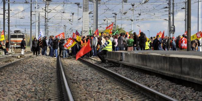 Occupation des voies à la gare SNCF de Clermont-Ferrand, le 20 octobre.