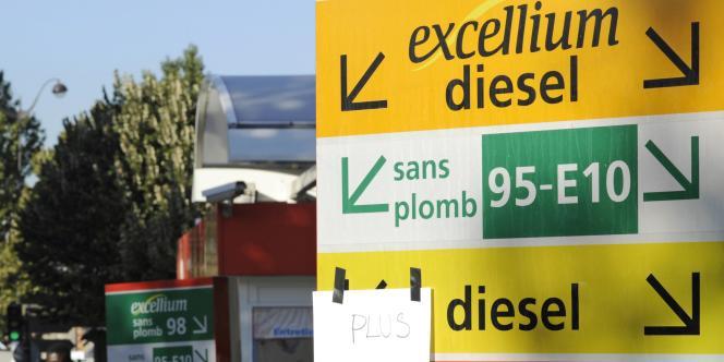 La « fiscalité allégée dont bénéficient les véhicules de société équivaut à une subvention annuelle moyenne par véhicule de 1600euros, qui va de 57euros au Canada à 2763euros en Belgique », affirme l'OCDE.