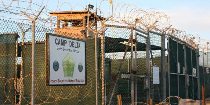 L'entrée du camp de Guantanamo, octobre 2010.
