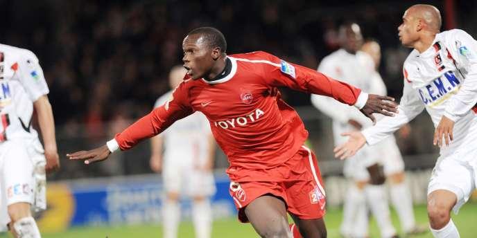 La joie de l'attaquant camerounais de Valenciennes Vincent Aboubakar, auteur d'un triplé face à Boulogne-sur-Mer, mardi soir.