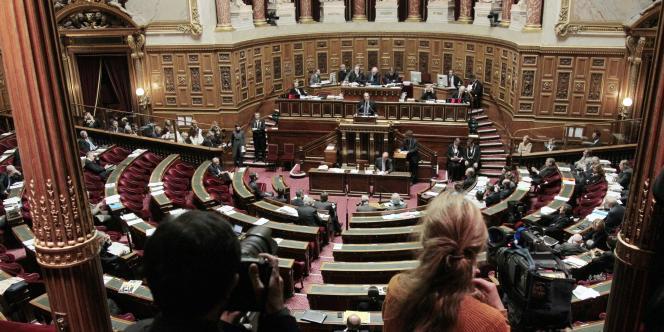 Toute la gauche, mais aussi le groupe de l'Union du centre à l'unanimité ont rejeté la mesure.
