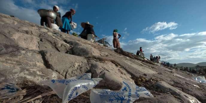 En Haïti, sur les rives de l'Artibonite, d'où est partie, il y a une dizaine de jours, l'épidémie de choléra.