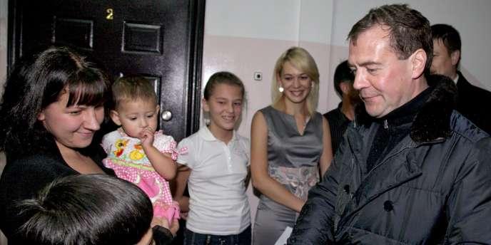 Le président Medvedev en visite dans les îles Kouriles, le 1er novembre.