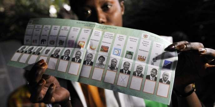 Un bulletin de vote pour l'élection présidentielle en Côte d'Ivoire, à Bouaké, le 31 octobre 2010.