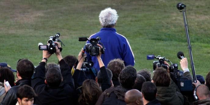Raymond Domenech, le 20 juin 2010 à Knysna, après avoir lu devant la presse le communiqué des joueurs qui annonçait leur mouvement de grève.