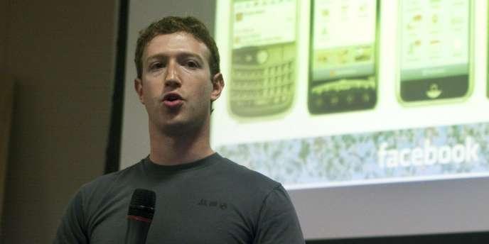 Mark Zuckerberg a présenté les nouveautés de Facebook sur mobile au siège de la société, à Palo Alto (Californie).