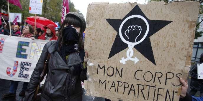 Manifestation le 6 novembre à Paris pour défendre le droit à l'avortement.