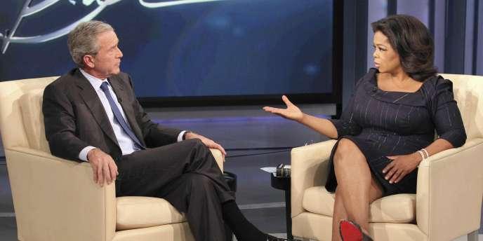 George W. Bush est notamment venu commenter ses Mémoires face à l'animatrice star Oprah Winfrey, lors d'une émission diffusée le jour de la sortie du livre.