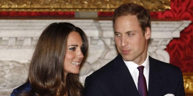 La réforme avait déjà été envisagée en 2005 mais elle avait été jugée prématurée, les princes Harry et William n'étant alors pas encore mariés.