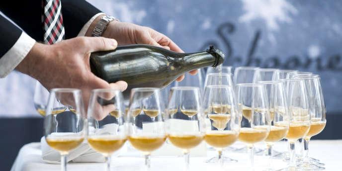 Selon les chiffres publiés mercredi 15 janvier par le Centre interprofessionnel des vins de Champagne, 304 millions de bouteilles sont sorties des caves champenoises, en 2013.