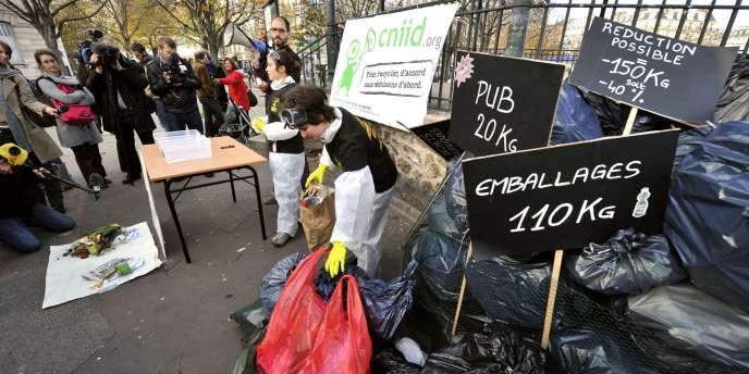Seules 90 collectivités françaises pratiquent aujourd'hui le tri et la collecte séparée, selon le Centre national d'information indépendante sur les déchets (Cniid) qui a lancé une campagne sur le sujet le 4 juin.