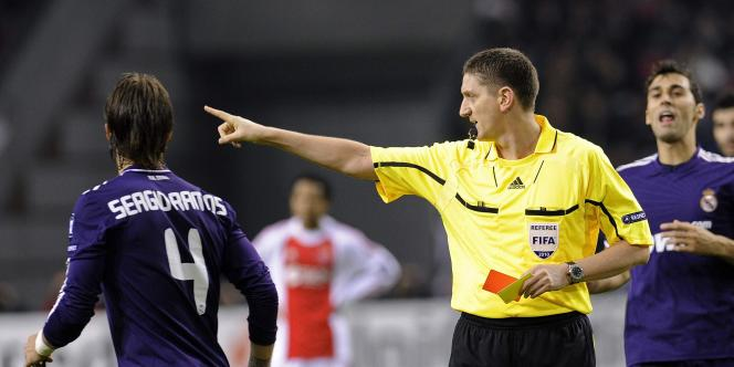 Ramos a été expulsé mardi en Ligue des champions à Amsterdam.