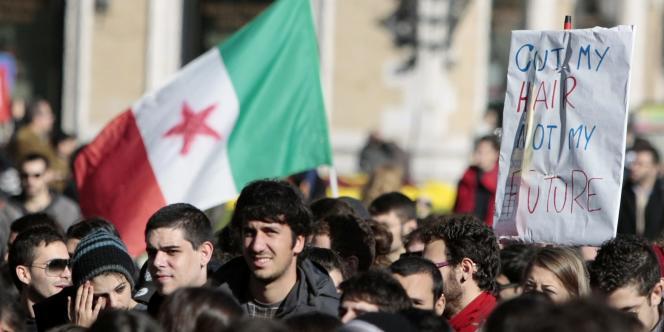 Des heurts s'étaient produits mercredi au cours des manifestations entre les étudiants et les forces de police, principalement dans le centre de Rome. Le 17 novembre, des manifestations avaient déjà rassemblé des dizaines de milliers d'étudiants dans les grandes villes italiennes.
