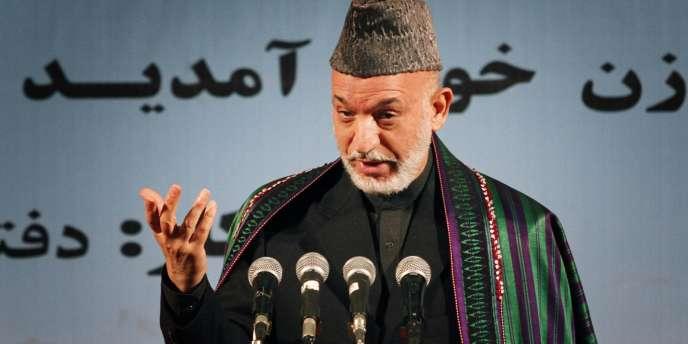 Après de longues semaines de bras de fer entre la CEI et le Parquet d'Afghanistan qui réclamait l'annulation des résultats proclamés, le président Karzaï a mis en place fin décembre ce tribunal spécial et l'a chargé de traiter les plaintes liées aux résultats.