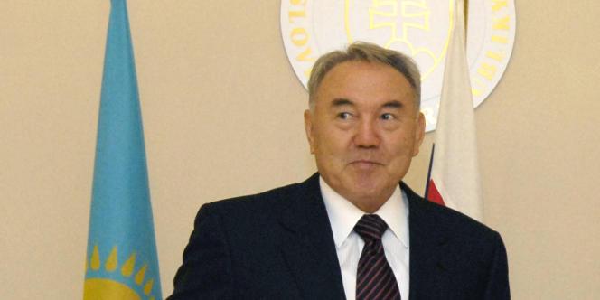 Le président kazakh Noursoultan Nazarbaïev à Bratislava (Slovaquie) en novembre 2007.
