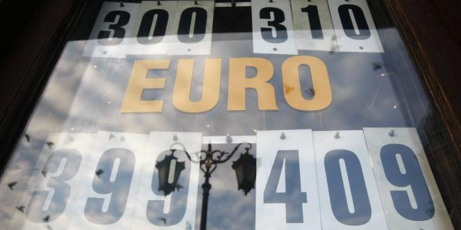 Soixante-dix chefs d'entreprises franco-allemands publient une lettre ouverte en faveur de l'euro et de la solidarité européenne.