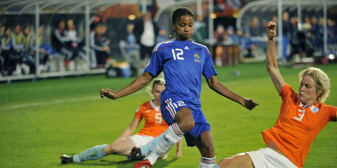 Louisa Necib contre les Pays-Bas le 3 septembre 2009.