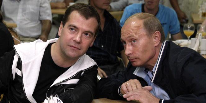 La relation entre le président russe Dmitri Medvedev et le premier ministre Vladimir Poutine est comparée dans les documents WikiLeaks à celle entre Robin et Batman dans le célèbre