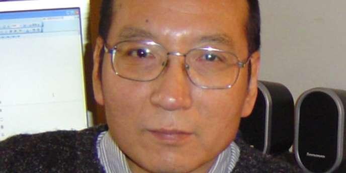 Liu Xiaobo a reçu en août une visite de sa femme Liu Xia et, le 28 septembre, une autre visite de ses frères.