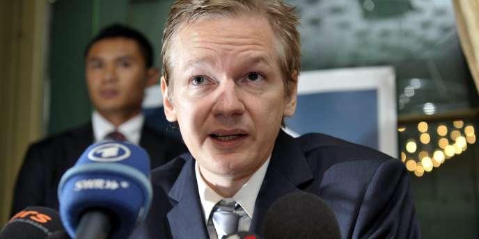 Julian Assange lors d'une conférence de presse, le 4 novembre 2010.