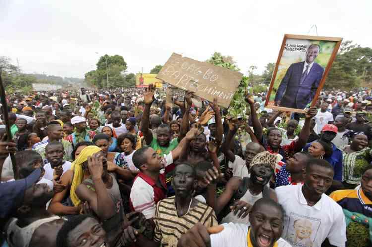 Des supporteurs d'Alassane Ouattara, le 5 décembre.