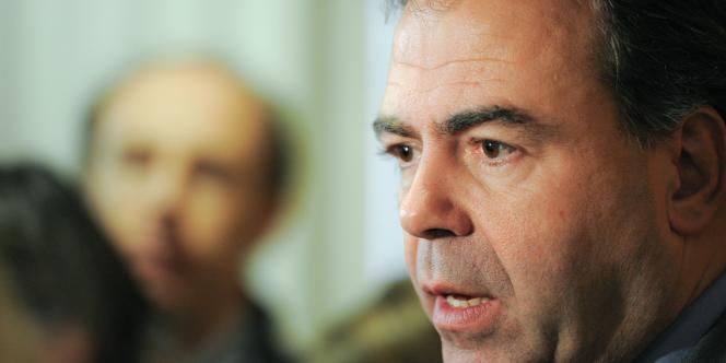 Le ministre de l'éducation Luc Chatel