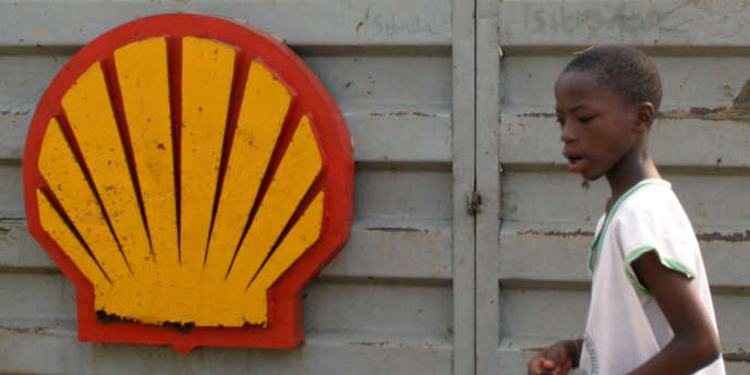 Logo de Shell dans le delta du Niger.