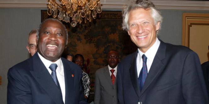 Dominique de Villepin et Laurent Gbagbo, en février 2004 à Abidjan.