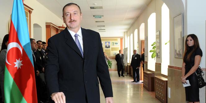 Ilham Aliyev, président de l'Azerbaïdjan, lors des élections parlementaires, le 7 novembre à Bakou.