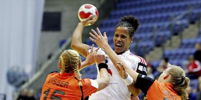 Amelie Goudjo et les tricolores ont battu les Néerlandaises, dimanche à l'Euro 2010.