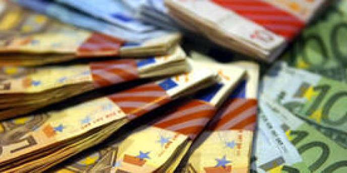 « Le fardeau total de l'endettement reste néanmoins à un niveau très élevé », rappelle Janet Henry, chef économiste Europe chez HSBC, à Londres.