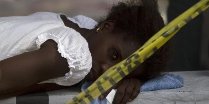 Selon un dernier bilan, l'épidémie de choléra a fait plus de 2 400 morts en Haïti.