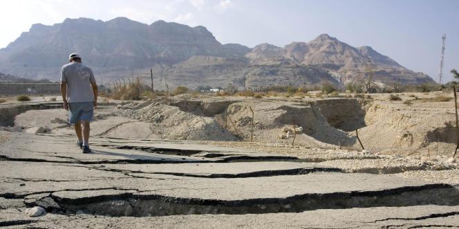 La vallée du Jourdain, en Israël. Le Jourdain apparaît comme un objet de tension dans la question du partage des eaux.