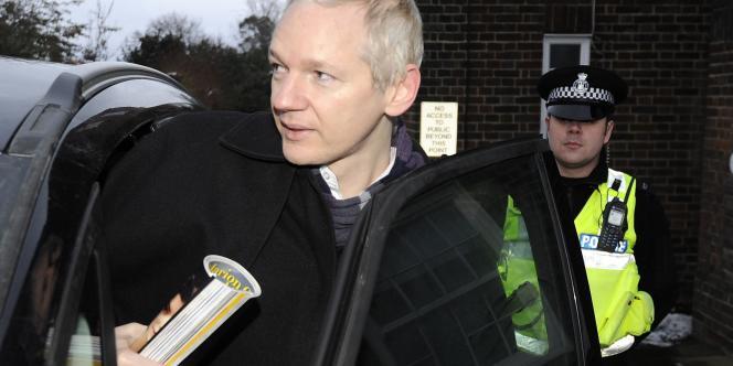 L'accuser de complot permettrait notamment à l'administration américaine de rendre M. Assange responsable d'atteinte à la sécurité nationale.