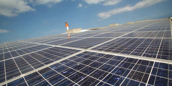 La plus grande centrale solaire de France au Port, sur l'île de la Réunion.