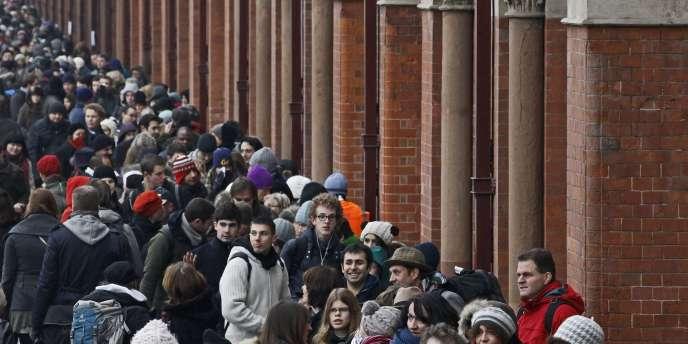 Devant la gare Saint-Pancras, à Londres, le 21 décembre.
