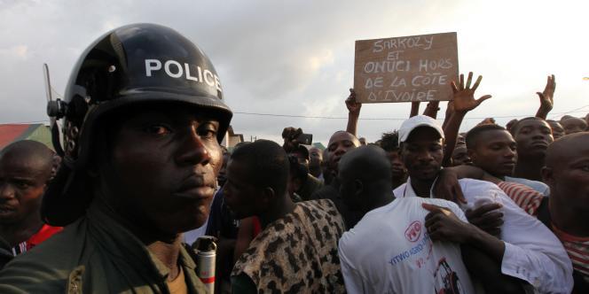 Samedi 18 décembre, Laurent Gbagbo a demandé aux troupes onusiennes et françaises de quitter la Côte d'Ivoire.