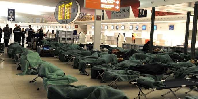 Près de 200 personnes ont dormi dans les aérogares de Roissy le 24 décembre au soir.