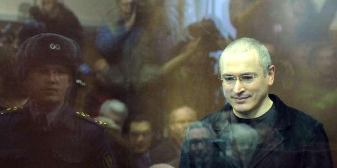 Mikhaïl Khodorkovski lors de l'énoncé du jugement de son deuxième procès, le 27 décembre 2010 à Moscou.