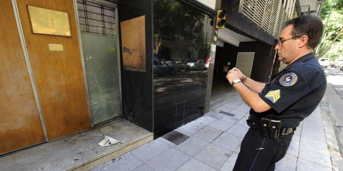 Une légère explosion a brisé les vitres de l'ambassade de Grèce à Buenos Aires dans la nuit de mercredi à jeudi.