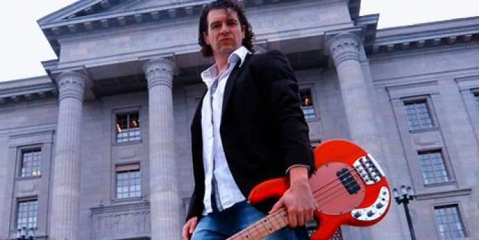 Nicolas Marthe a été juge en Suisse pendant 7 ans, mais sous sa robe de magistrat battait un coeur de rockeur.