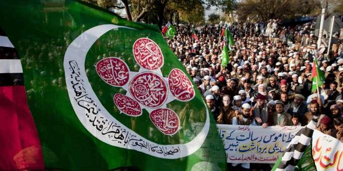 Une grève à l'appel de partis islamistes a paralysé les grands centres économiques du Pakistan, vendredi 31 décembre.