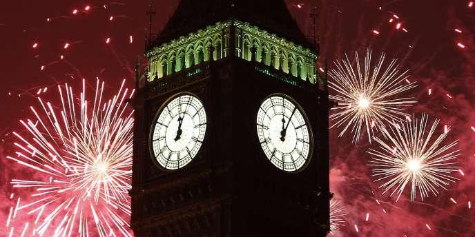 Feux d'artifice derrière Big Ben pour les célébrations de la nouvelle année à Londres, le 1er janvier 2011.
