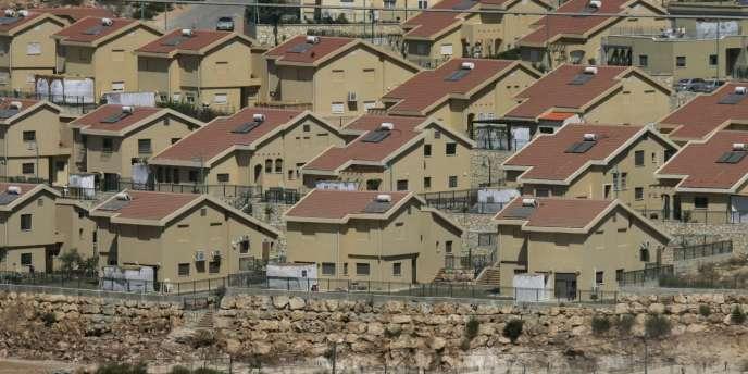 La colonie israélienne de Kiryat Netafim, située en Cisjordanie, près du village de Salfit.